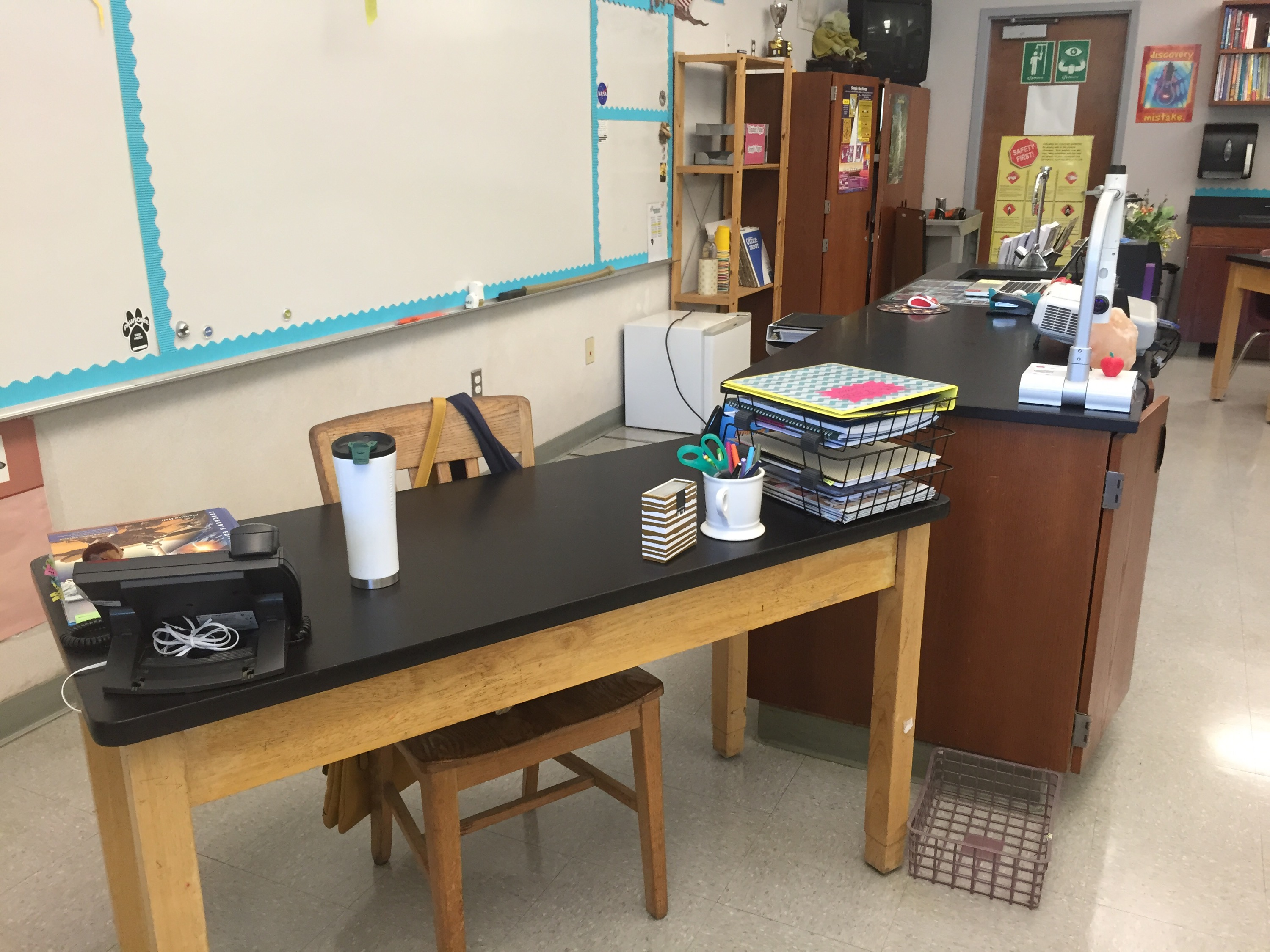 Check out these updates to my secondary Science classroom! www.theardentteacher.com